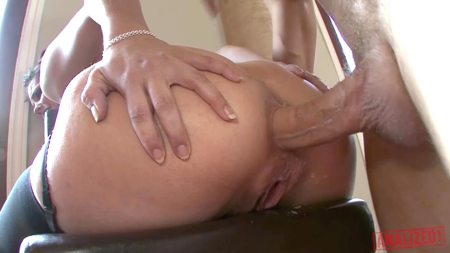 Bobbi Starr Squirting From Anal Sex