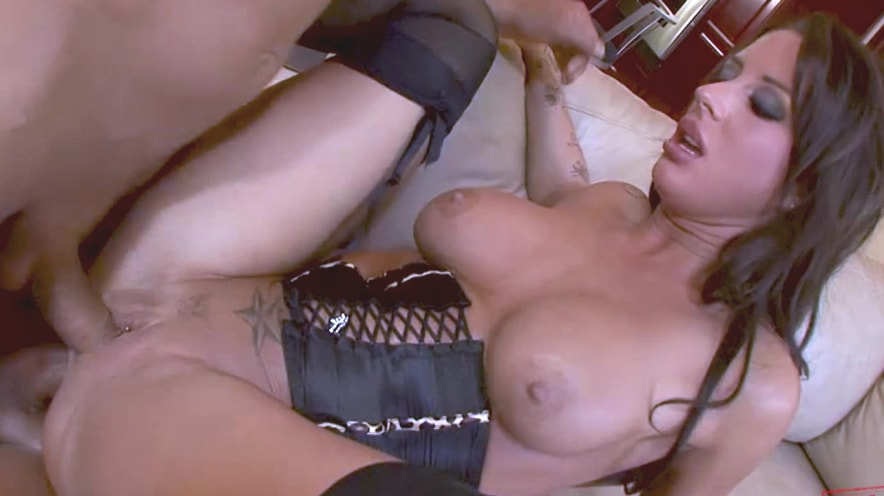 Mya Nichole Gives Everyone A Turn